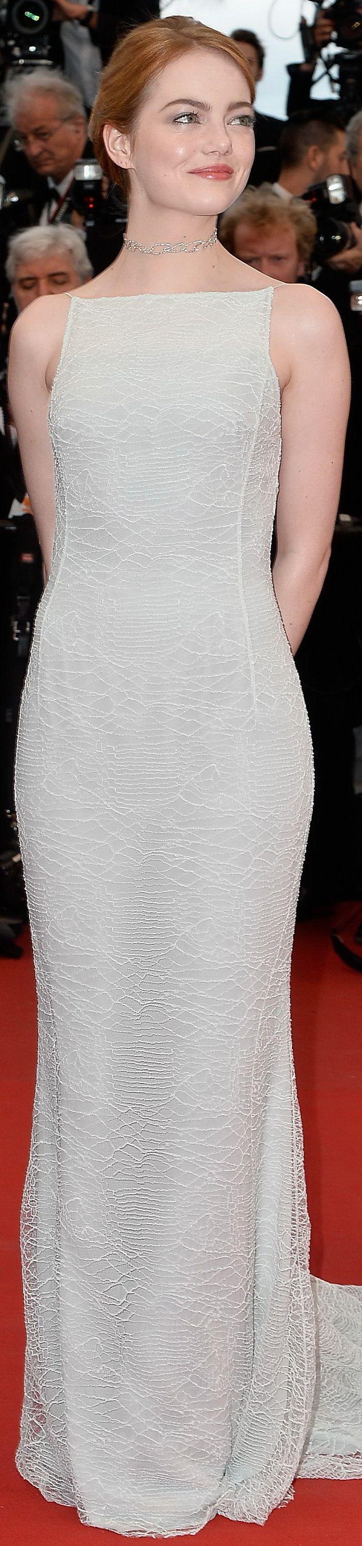 Emma Stone at red carpet.