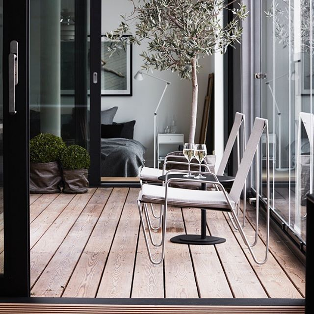 First notion of spring – enjoy it with the Panton Bachelor chair. Photo: Ragnar Omarsson #montanafurniture #pantonchair #pantonbachelor #homedecor #outdoorfurniture