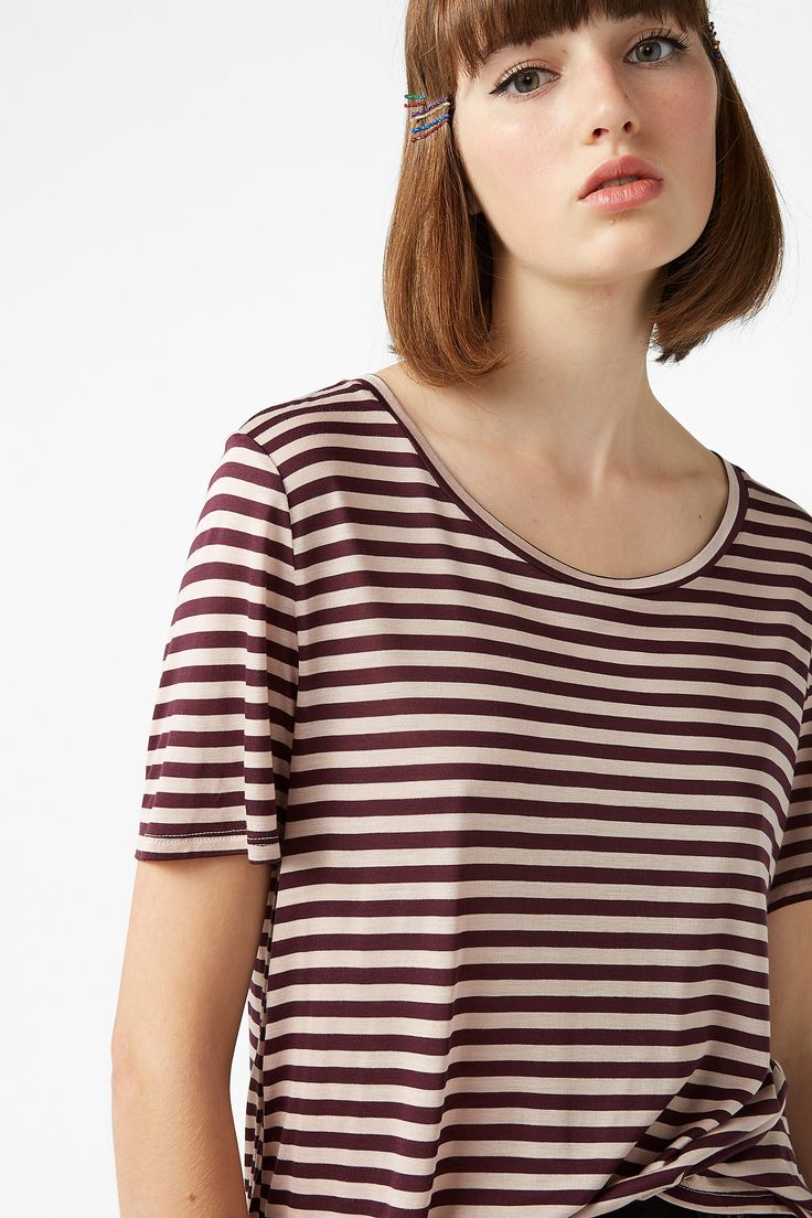 <p>Empower ur skin with this cotton stripe tee. A classic that will always keep you cool - with a round-neck, relaxed fit and silky feel. It's a no-brainer.