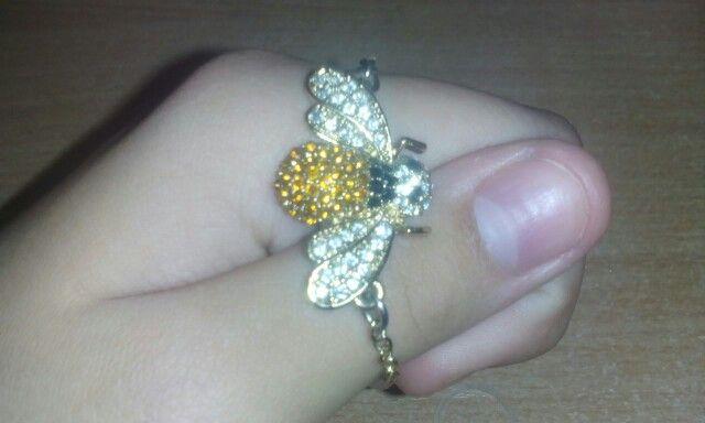 Браслет, (позолоченная цепочка) с красивой пчелкой. :3