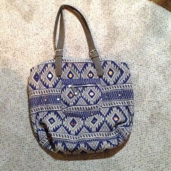 American Eagle brand sparkly tribal print tote bag American Eagle brand sparkly tribal print tote bag. BRAND NEW NEVER USED. American Eagle Outfitters Bags Totes