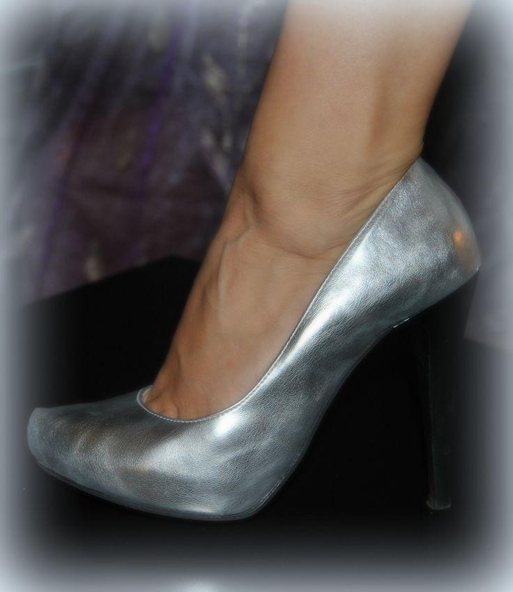 silver high-heel