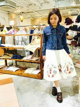 パラビオン大阪店 ゆきさんのデニムスカート「刺繍スカート」(Hamble by Par Avion ハンブル・バイ・パラビオン)を使ったコーディネートです。
