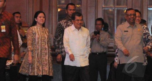 Wakil Presiden Jusuf Kalla saat tiba di acara pembukaan rapat koordinasi Badan Nasional Penanggulangan Bencana (BNPB)
