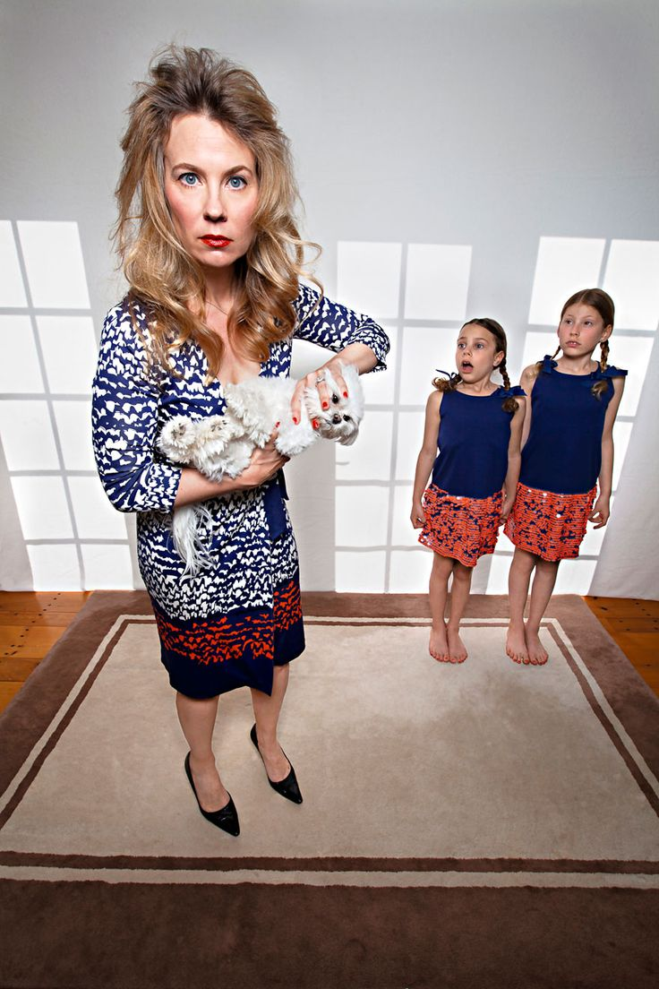 "Mother Of Two Takes Humorous Family Photos ""Happily Ever After"" Thinkyourself. New Ideas - Slicontrol.com"