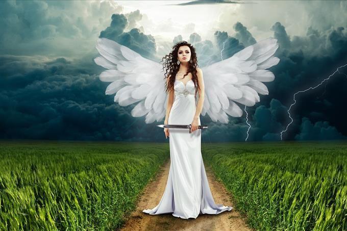 anjo em uma tempestade