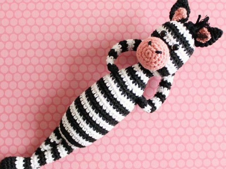 Tutoriel DIY: Réaliser un #zèbre en #crochet amigurumi via DaWanda.com                                                                                                                                                      Plus