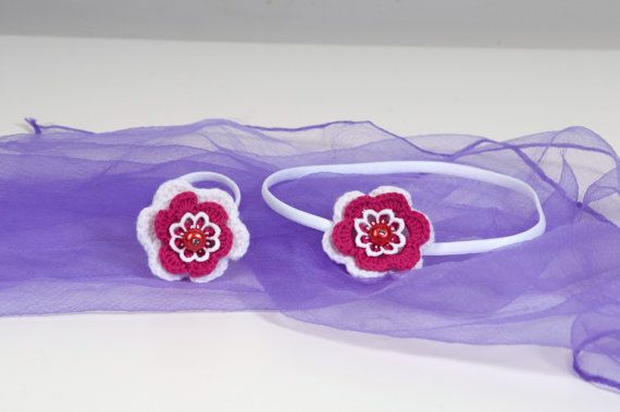Crochet flower headband and ponytail holder  Set of 2 by Chrisin, €9.20