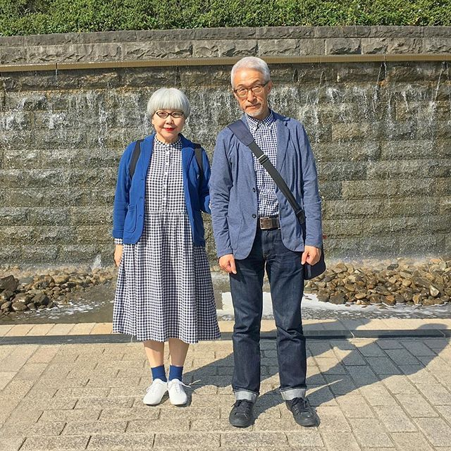 日差しが眩しい☀️公園を散歩 ワンピースとシャツがお揃い #勾当台公園 #couple #over60 #fashion #coordinate #outfit #ootd #instafashion #instaoutfit #instagramjapan #greyhair #夫婦 #60代 #ファッション #コーディネート #夫婦コーデ #今日のコーデ #グレイヘア #白髪 #共白髪
