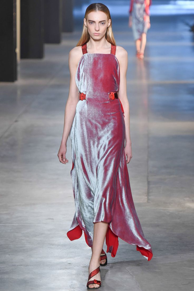 Christopher Kane Fall 2015 Ready-to-Wear