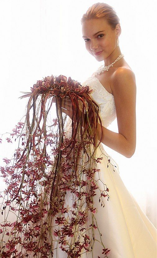 Cascading bridal bouquet by Jouni Seppanen