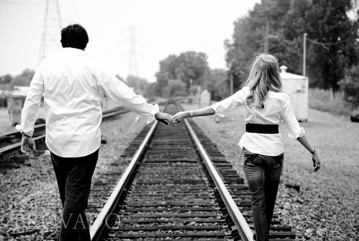 Engagement_pics-Christal_Eric-01.jpg (900×604)