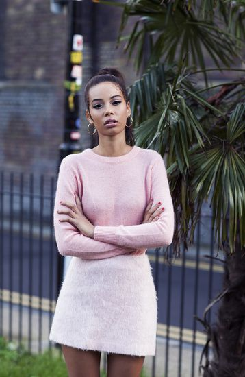pastel colors, street style, fashion, pink outfit, cute, black women hairstyle