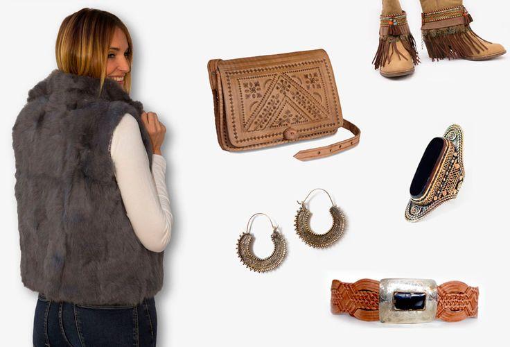 Chaleco de pelo en tono gris combinado con bolso y cinturón de piel marrón procedente de Marruecos, bisutería kuchi y cubrebotas boho chic