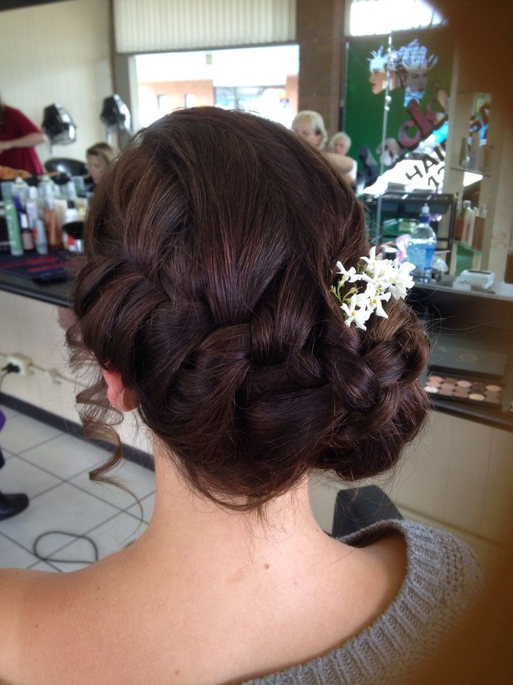 Formal upstyle done by Leah @ BEL HAIR & MAKE-UP