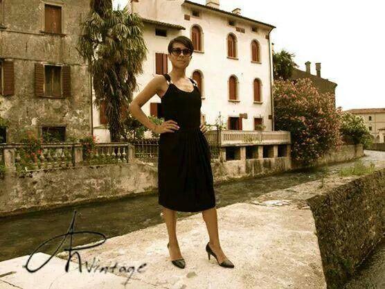 Angie e il suo abito anni '80