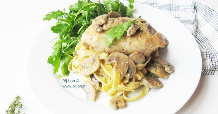 Recept voor pasta met kip, champignons en roomsaus
