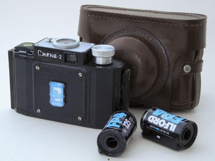 Rare Pinhole Smena 2 based w/a 27mm camera f/135+ case+ 2 empty cartridges. Wide angle Smena 2 based Pinhole camera is self made  and tested whit 50ASA b&w film.Pinhole d = 0.20 mm, w/a 27mm (~73°) , f/135.The  pinhole is drilled mechanically when using caliber. Recommendations: For shooting to use 50 ASA b/W a film. For a color film (100,200 ASA) use ND filters (49 mm) ND4,ND8.  Exposure with a film 50 ASA (approximately)   Bright sun 20-40s   It is cloudy 30-50s