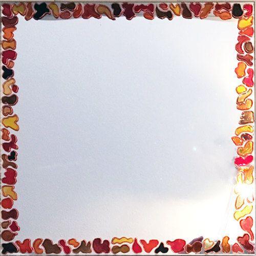 Spiegel beschilderd met oranje en rode vormen  door RingDesignNL
