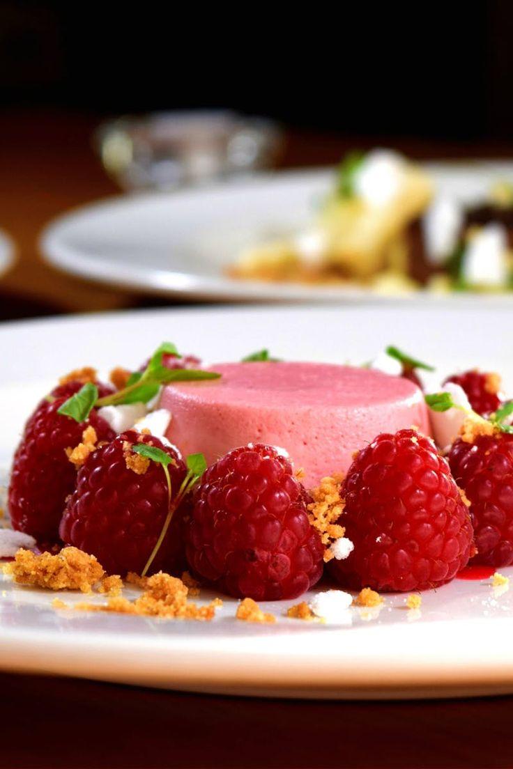 Free stock photo of plate, raspberries, dessert, sweet