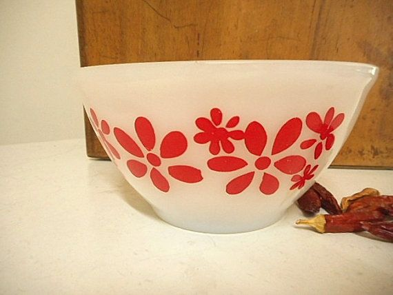 Agee/Crown Pyrex Bowl   Red Daisy Chain  by MYVINTAGEMOON on Etsy