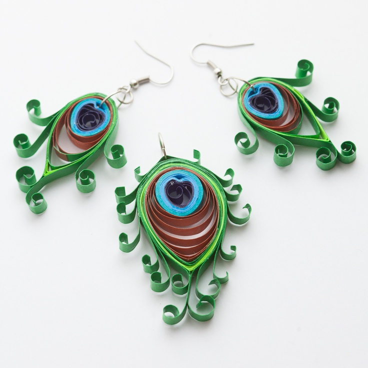 137 Best images about Quilled peacocks on Pinterest Quilling, All things and Peacock christmas ...