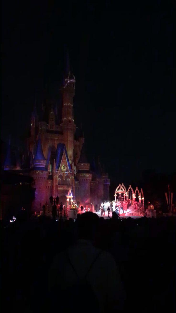 15 Spooktacular-Tipps für Mickeys weniger beängstigende Halloween-Party   – Halloween Theme Park Tips