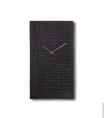 Купить или заказать Черные часы из горелого дерева в интернет-магазине на Ярмарке Мастеров. Часы из горелой досоки. Часы оснащены немецким кварцевым механизмом. Всегда изготавливается один уникальный экземпляр. Возможны изменения по цвету и размеру Гарантия два года.…