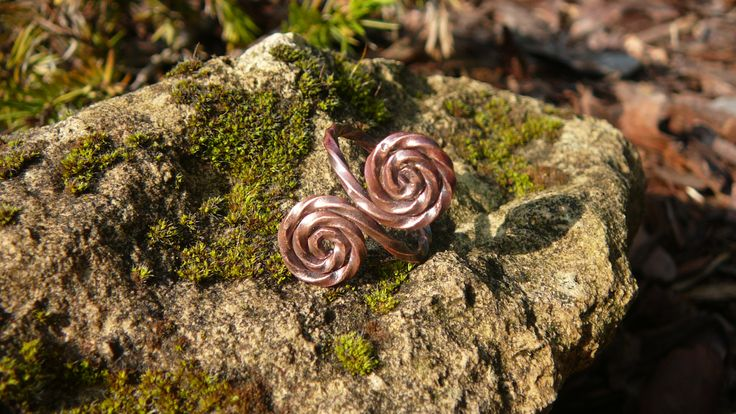 Celtic inspired female copper ring. Hand forged.