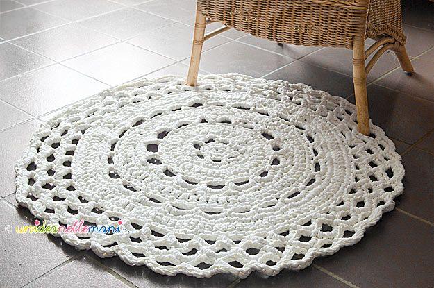 Fare un tappeto all'uncinetto con la fettuccia