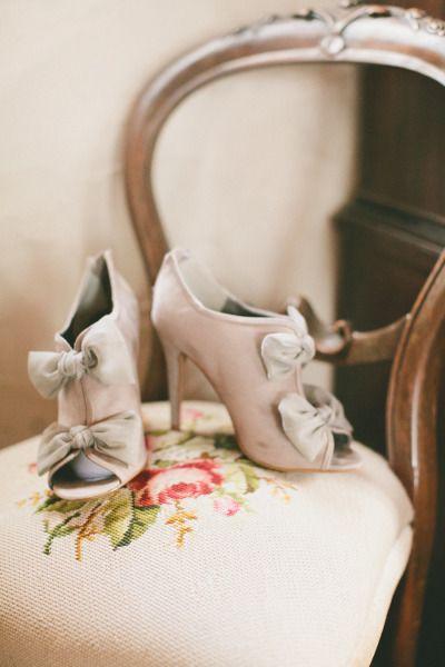 Chic wedding shoes: http://www.stylemepretty.com/little-black-book-blog/2014/05/09/cozy-union-hill-inn-wedding/ | Photography: Onelove Photography - http://www.onelove-photo.com/