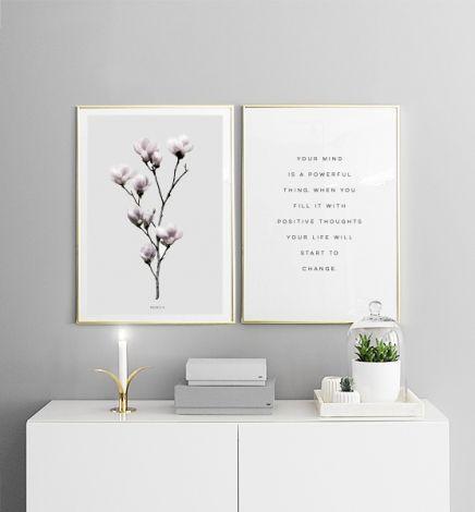 Versier de woonkamer met mooie posters. Vind meer modieuze posters online met www.desenio.nl