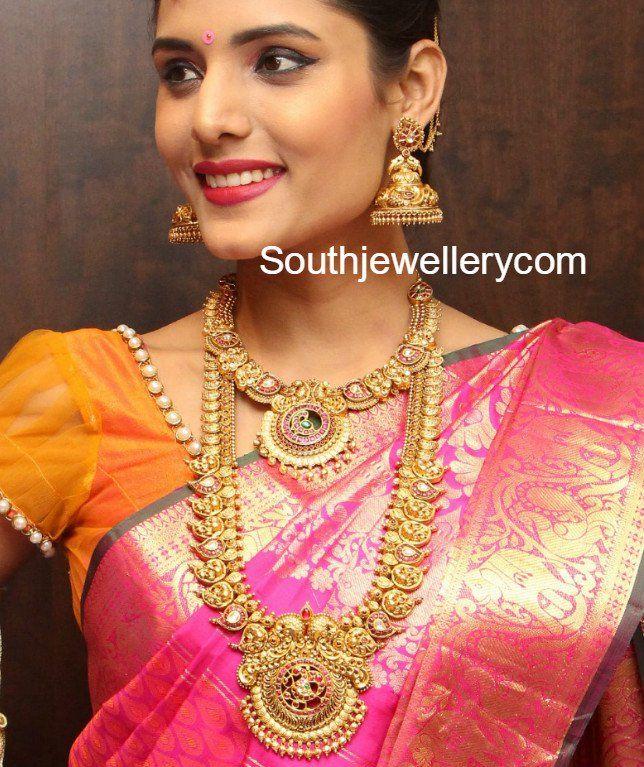 Antique Gold Wedding Jewellery Set by Manepally