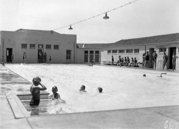 Swimmers at Manuka Pool, 1932.    Photographer: William James Mildenhall. NAA: A3560, 6675