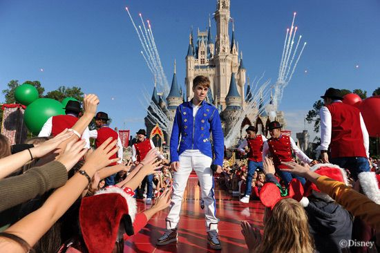 Don't Miss the Disney Parks Christmas Day Parade