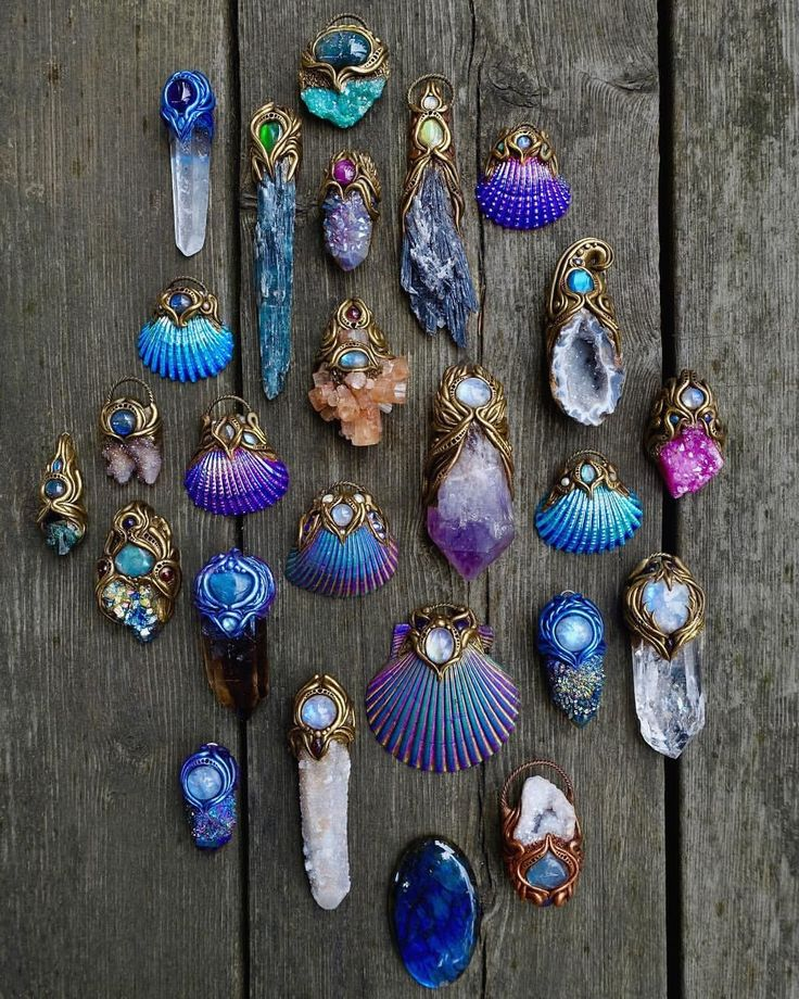 9,512 vind-ik-leuks, 124 reacties - ☽ Spirit Nectar ☾ (@spiritnectar) op Instagram: 'My shop has been fully updated with lots of new necklaces! ✨ Link is in my bio! '