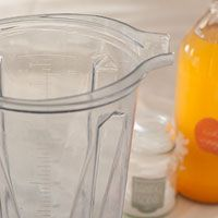 How to Make Your Vitamix Look New Again - The baking soda,