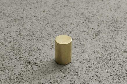 つまみ円柱 | 真鍮金物 | R不動産 toolbox