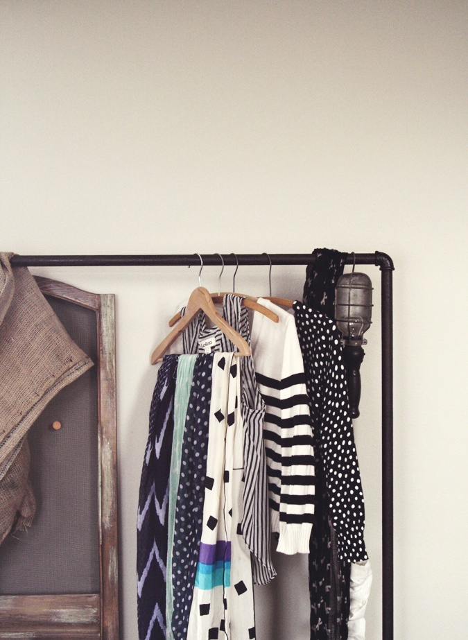 1000 images about free standing clothes rack on pinterest closet organization wall mount and. Black Bedroom Furniture Sets. Home Design Ideas
