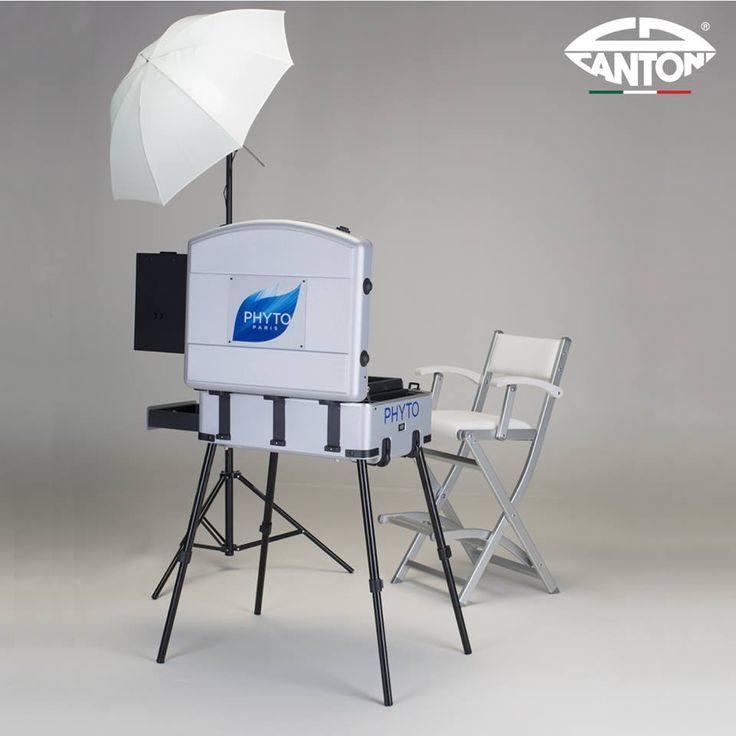 Cantoni for PHYTO Paris. Trasportable corner for professional hairstyling. Cantoni make up case Voyager Silver, make up chair S105.A, lighting kit (1ombrella, 1tripod, 1lamp order). #makeupstation #makeupchair #makeupcase #cantoniforphyto