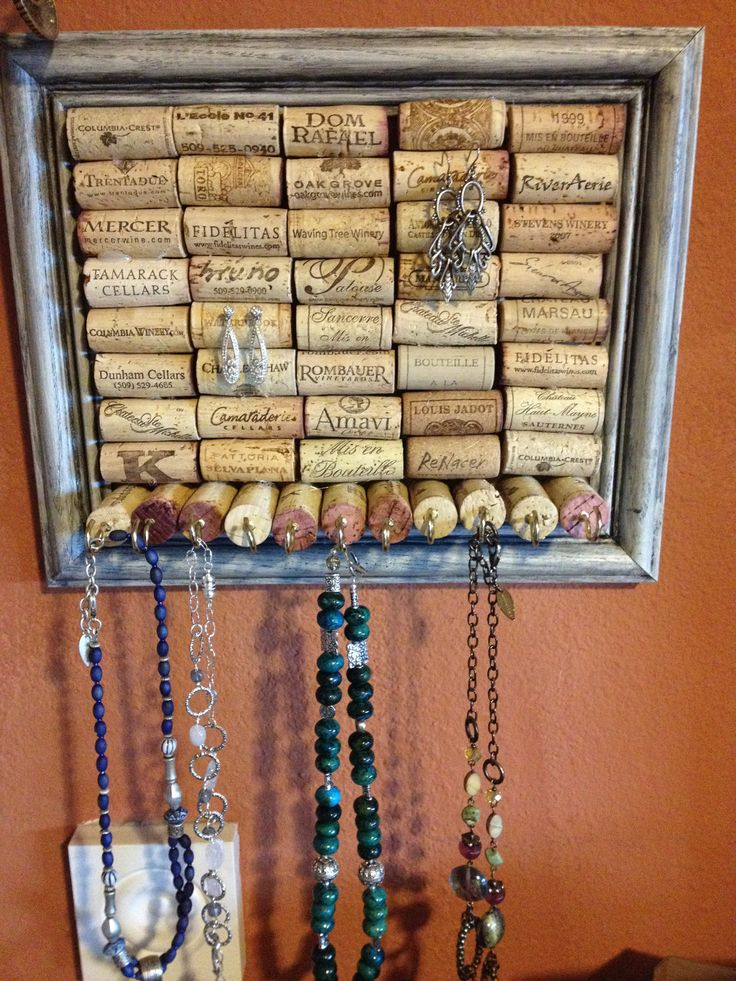 Necklace Jewelry Organizer: I am totally making this. Probably today. But I need a hot glue gun?