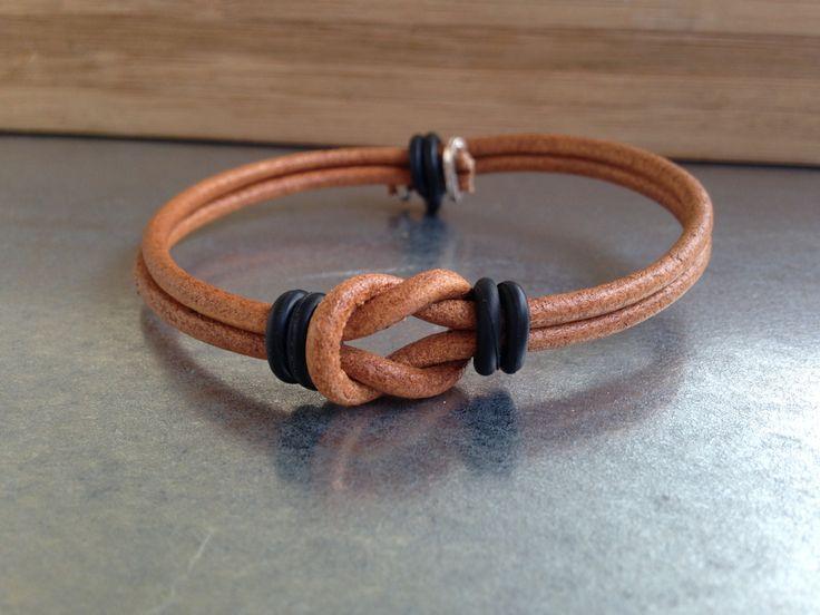 Bracelet cuir, infini, unisexe, bracelet de l'amitié, de l'amour, bracelet noir en cuir, femme, homme de la boutique AlessentielA2 sur Etsy
