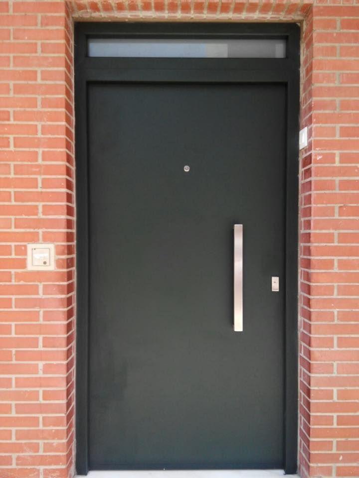 Las 25 mejores ideas sobre puertas de aluminio en for Puertas de aluminio exterior