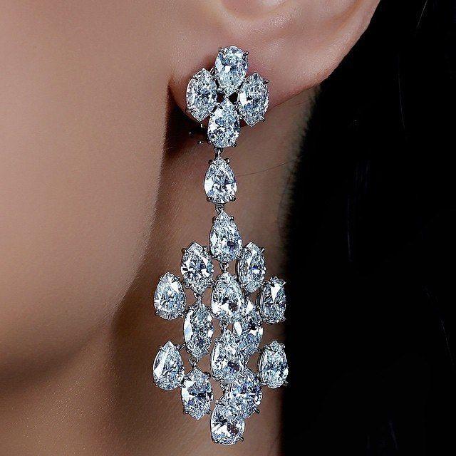 williamgoldbergdiamonds: The alluring elegance of the Fancy Shape Dale Chandelier #Diamond #Earrings by #WilliamGoldberg.