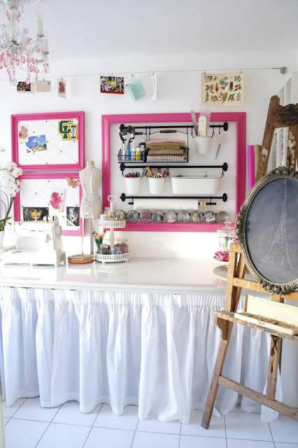 How to create a dream craft room with flea market finds! Tons of amazing organizing ideas in this post!  Via Design Eur Life