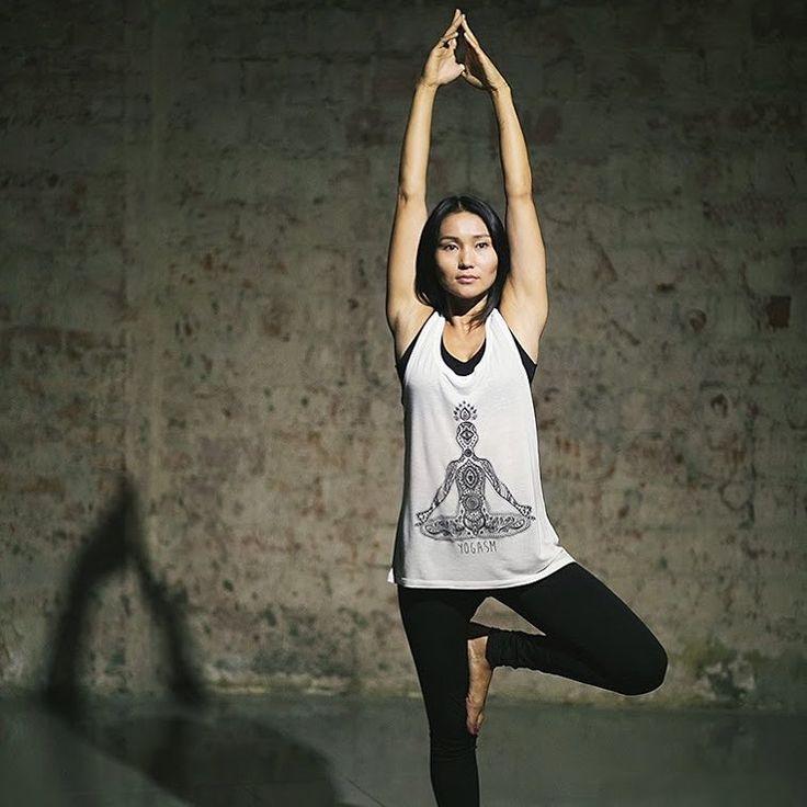 Yogasm в действии! Удлиненная майка из мягкого эвкалиптового волокна. #yoglmogl #organic #eucalyptus #органический #эвкалипт #yoga #йога #meditation #медитация #yogasm #йогазм #fashion #мода #tanktop #майка