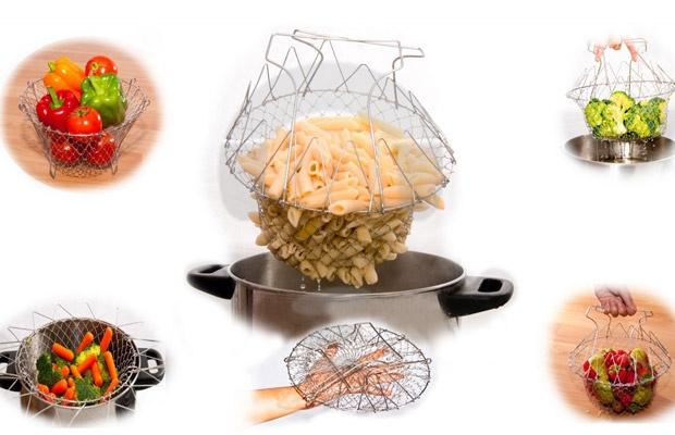Alat memasak yang multifungsi walaupun wajan berisi air panas atau minyak sedang mendidih, kamu langsung bisa angkat semua yang kamu rebus atau goreng sekaligus dengan Chef Basket. Sangat fungsional ketika kamu memasak pasta, ayam goreng, kentang goreng dan banyak lagi. Chef Basket juga dapat digunakan sebagai saringan!