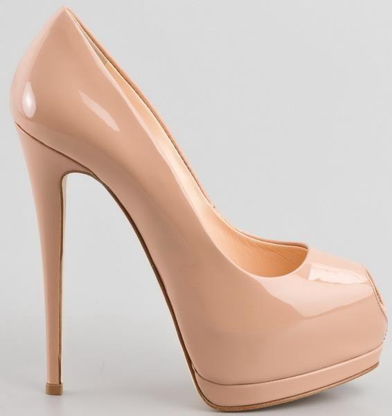 Женские туфли лаковые на платформе с открытым мысом