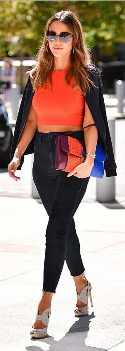 Who made  Jessica Alba's orange crop top, blue stripe handbag, skinny jeans, and gray platform sandals?