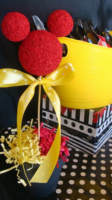 Spray paint styrofoam balls!  Mickey or Minnie Mouse Party.  DIY table top decoration.  Easy centerpiece for a Minnie party.